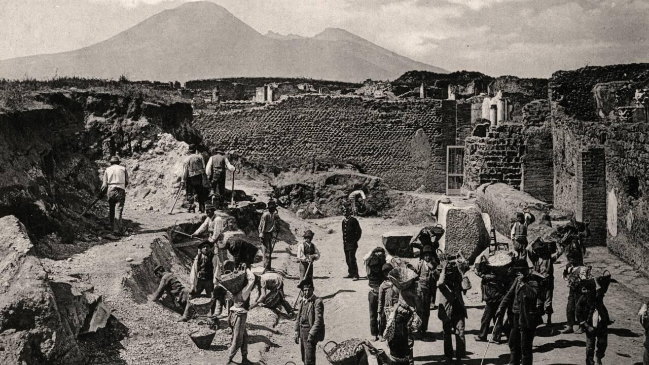 L'archéo dans le rétro (2/5) : les fouilles de Pompéi, la cité disparue aux mille trésors
