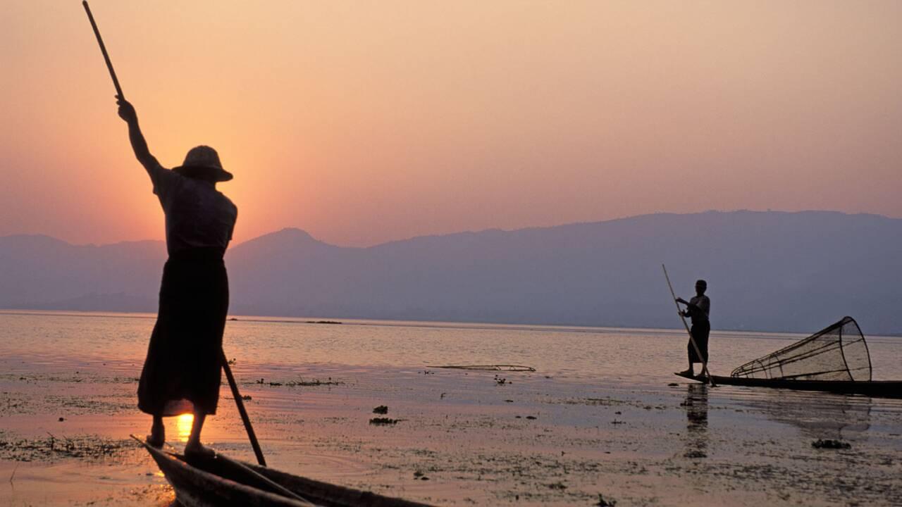 Instantané de photographe : Birmanie, pêcheurs sur le lac Inle par Tuul et Bruno Morandi