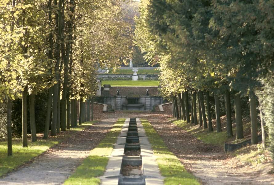 Parc de Saint-Cloud: des démolitions pour faire une promenade piétonne créent la polémique