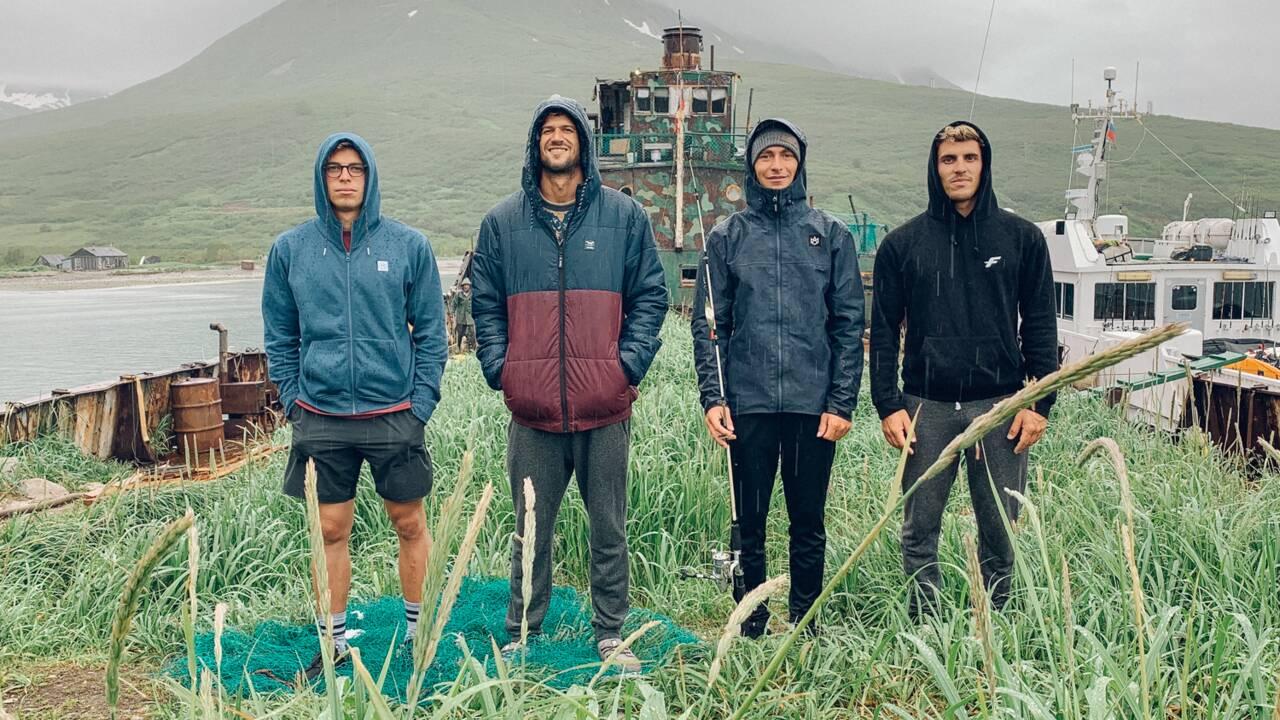Revivez l'aventure d'une équipe de kitesurfeurs dans la péninsule russe du Kamtchatka
