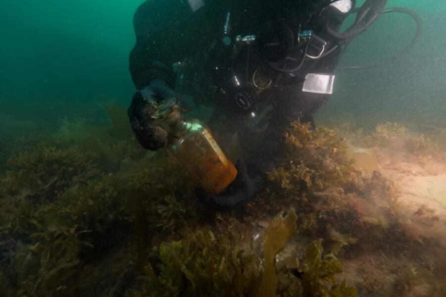 9 - Plus de 300 artéfacts remontés d'une épave engloutie dans l'Arctique