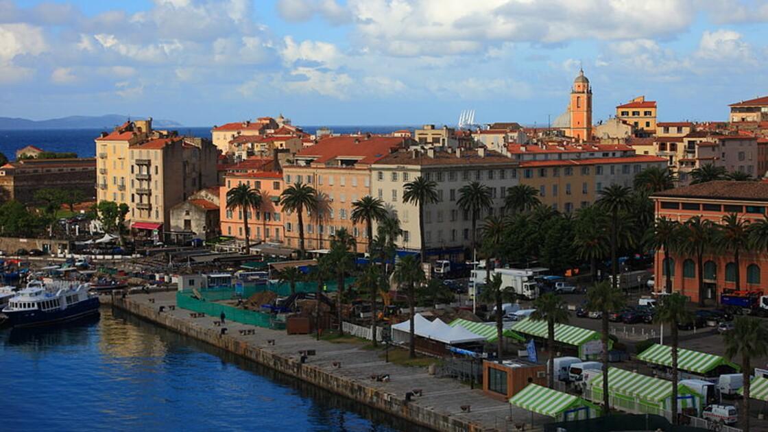 Visiter Ajaccio : que faire quand on aime la nature ?