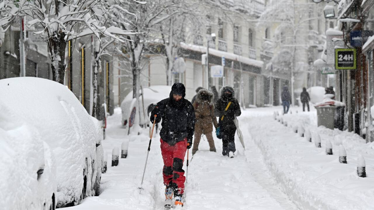 Espagne : une tempête de neige historique fait trois morts et sème le chaos