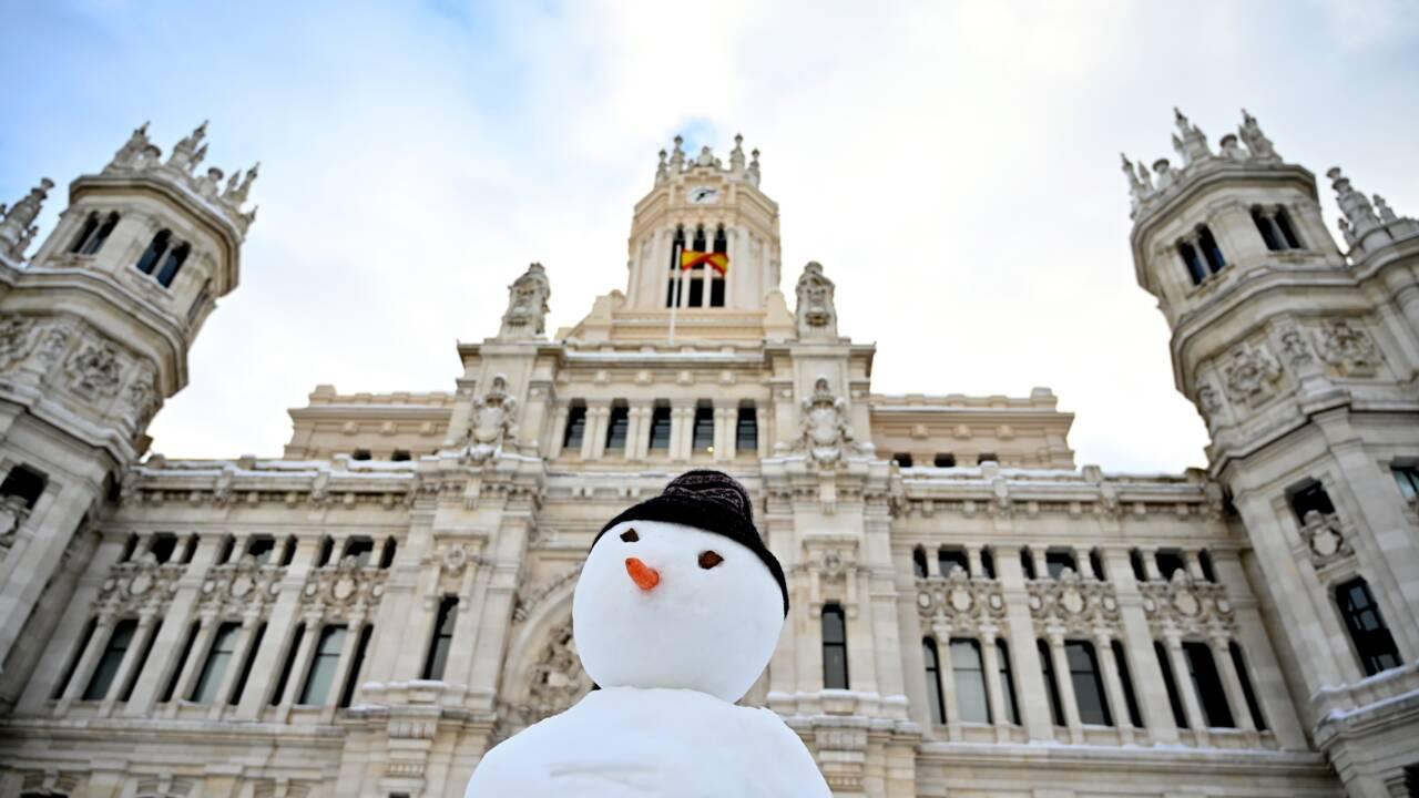 Le centre de l'Espagne toujours paralysé après la tempête de neige
