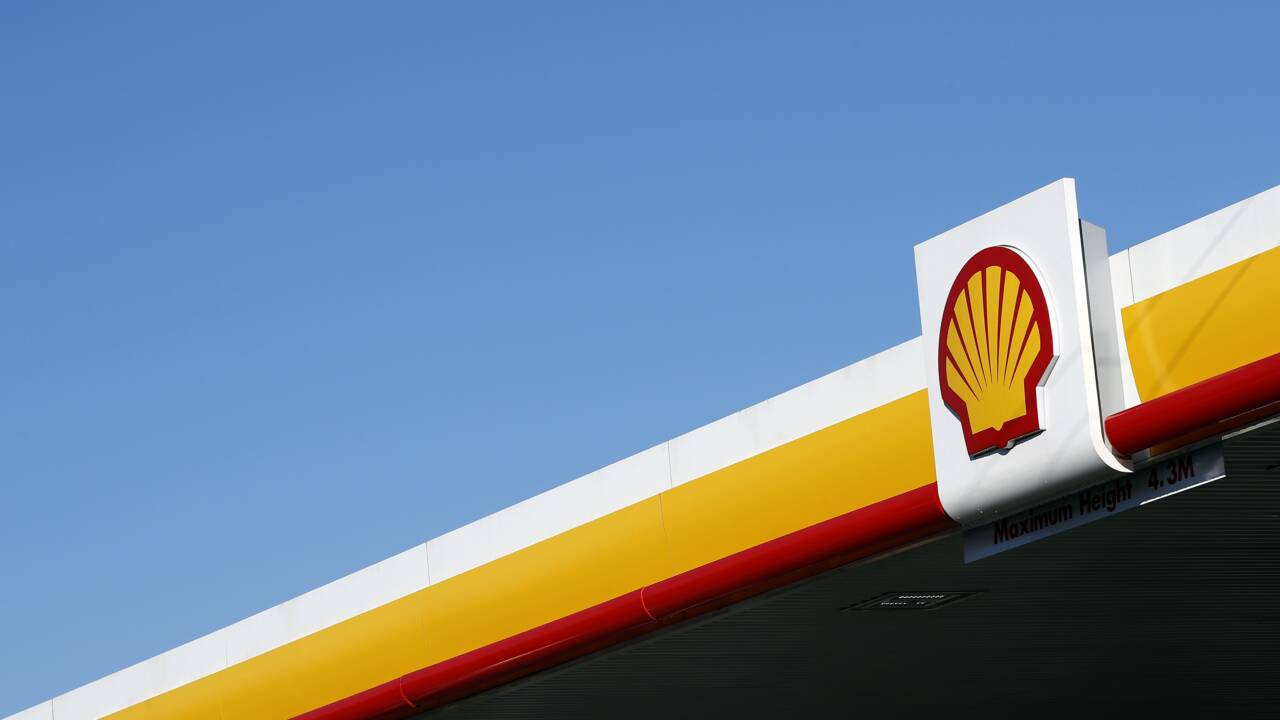 """Climat: Shell réprimandé par la justice néerlandaise dans une affaire """"historique"""""""