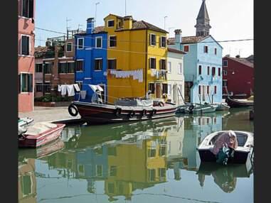Balade au gré des canaux colorés de Burano, en Italie