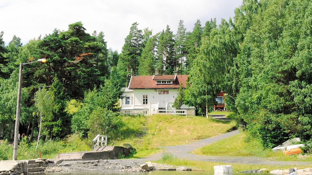 Norvège : face à l'île meurtrie d'Utøya, le mémorial de la colère