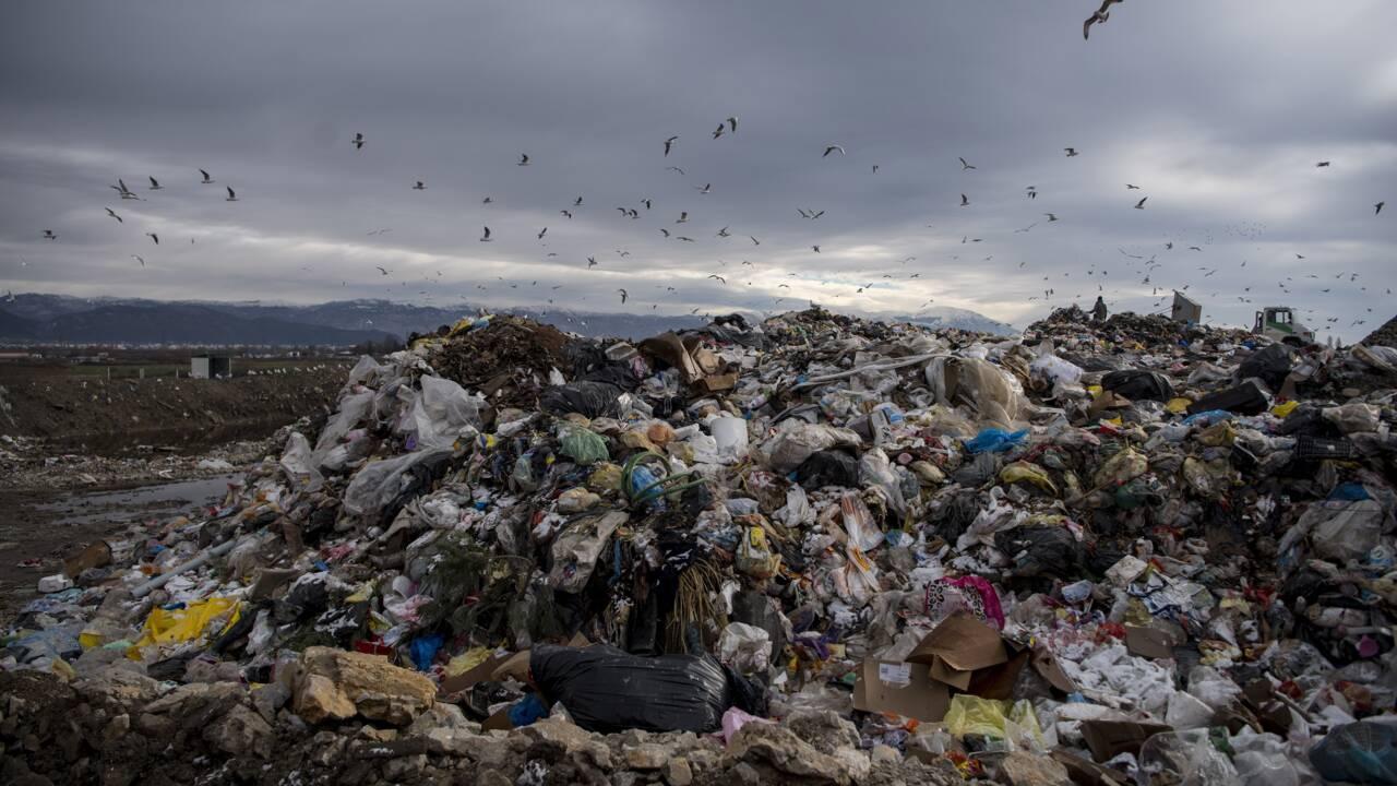 Dans les Balkans, des îlots d'ordures font émerger la crise des déchets