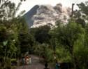En Indonésie, le volcan Merapi est entré en éruption