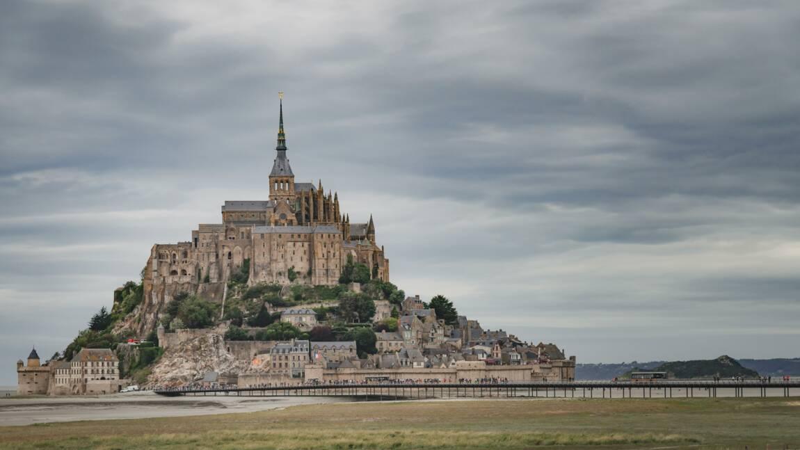 Attaqué par les embruns, le Mont-Saint-Michel en travaux pour trois ans