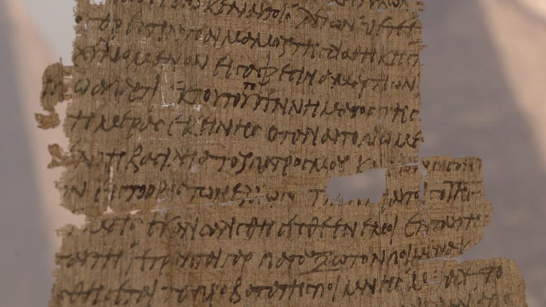 Manuscrits, masques funéraires... Les Etats-Unis restituent à l'Egypte des milliers de pièces antiques