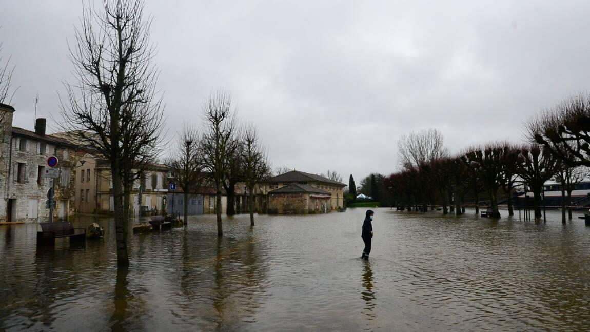 Inondations dans le Sud-Ouest: Saintes face à la montée des eaux