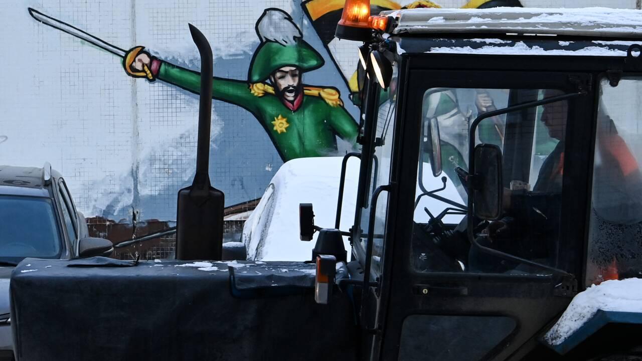 "Moscou se prépare à une ""apocalypse"" de neige"