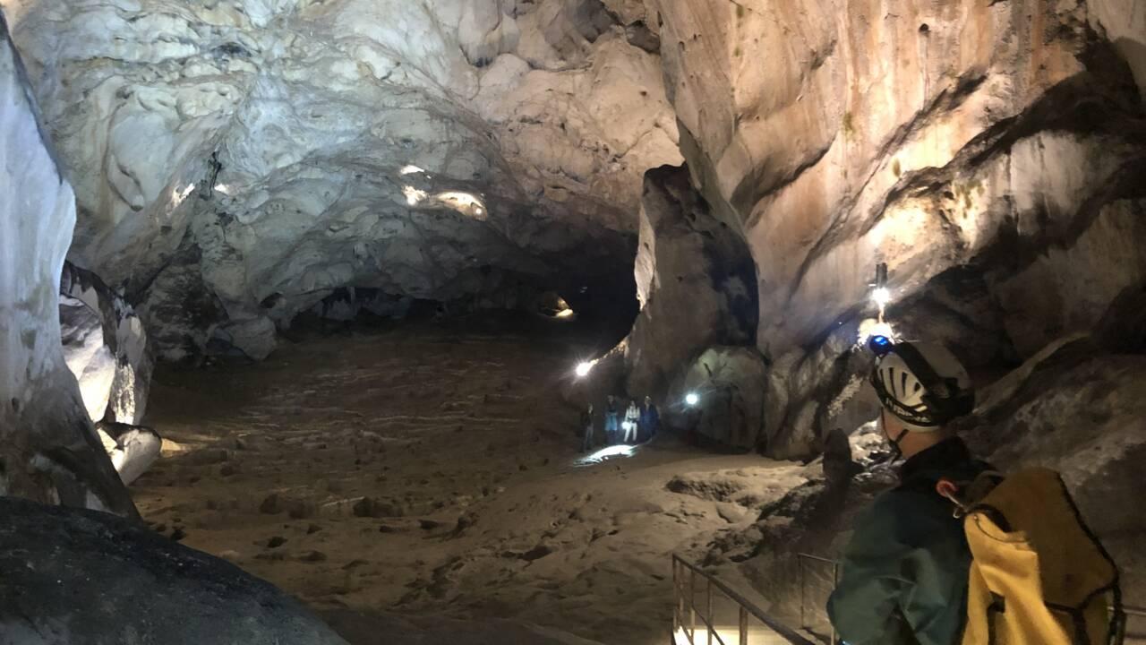 Ces volontaires vont passer 40 jours coupés du monde dans une grotte de l'Ariège