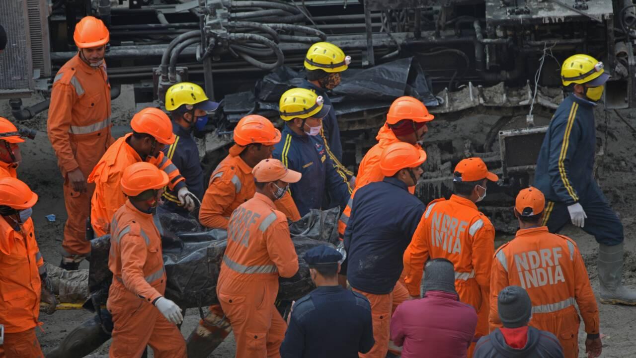Crue subite en Inde: des corps retirés d'un tunnel, le bilan grimpe à 43 morts et 161 disparus
