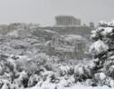 A Athènes, l'Acropole s'est réveillée sous un manteau de neige