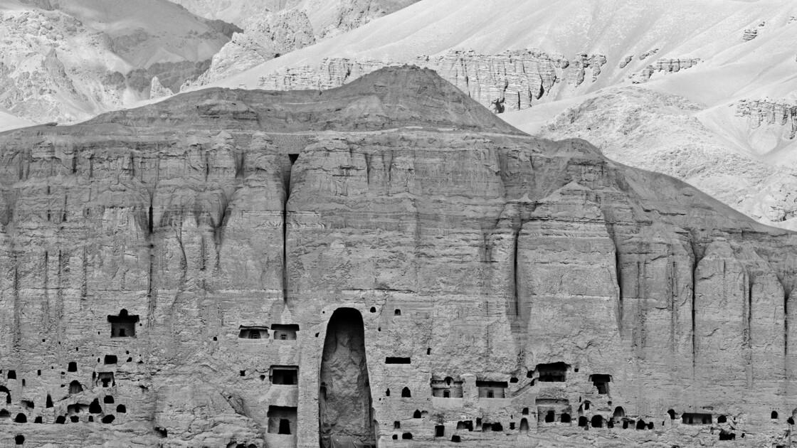"""Musée Guimet : """"Bamiyan 20 ans après"""", une exposition qui commémore le site détruit par les Talibans"""