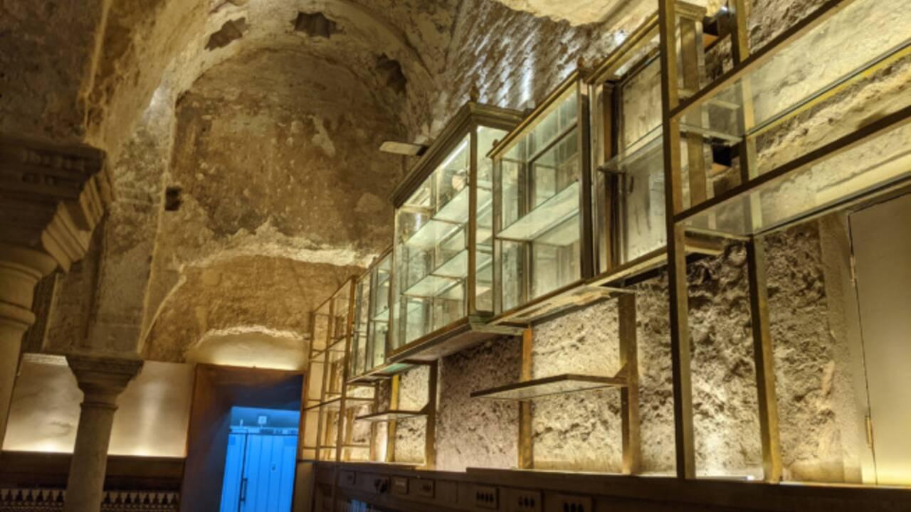 Un hammam islamique du XIIe siècle découvert par hasard dans un bar de Séville