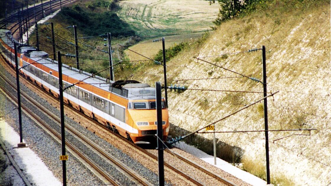 Pour les 40 ans du TGV, la SNCF fait à nouveau rouler la mythique rame numéro 16