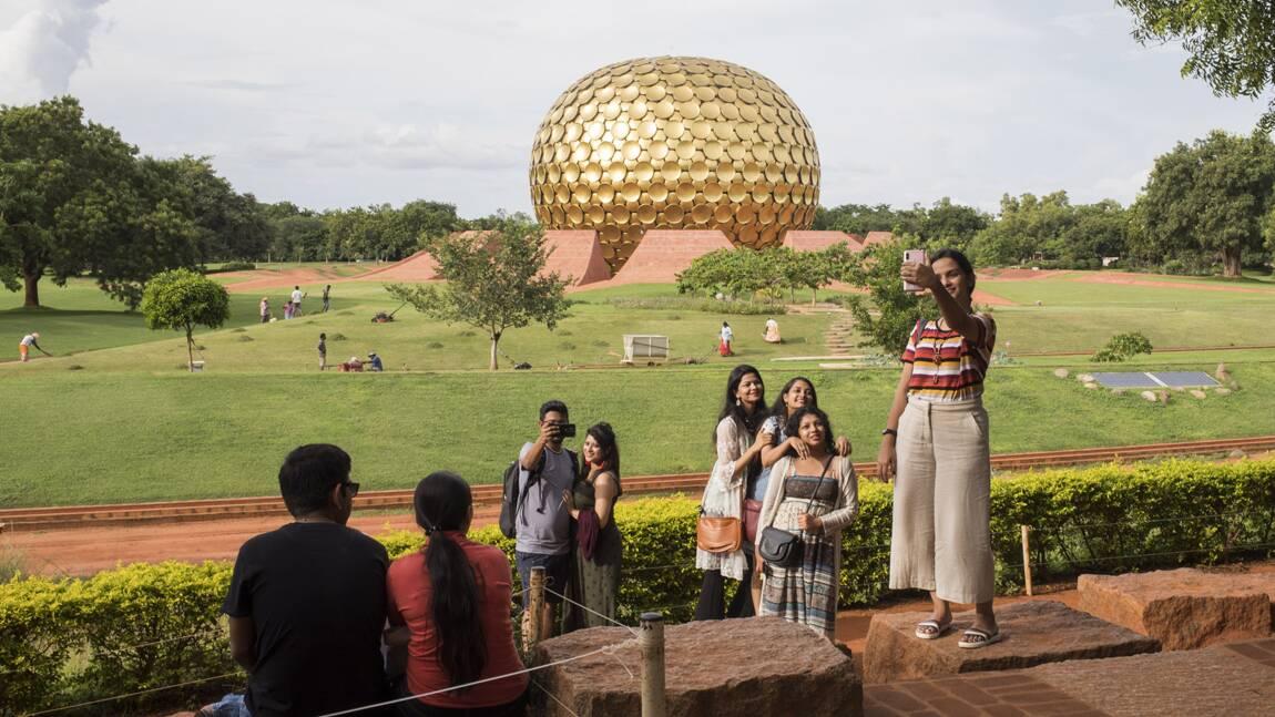 Inde : 50 ans après sa fondation, qu'est devenue la cité utopique d'Auroville?