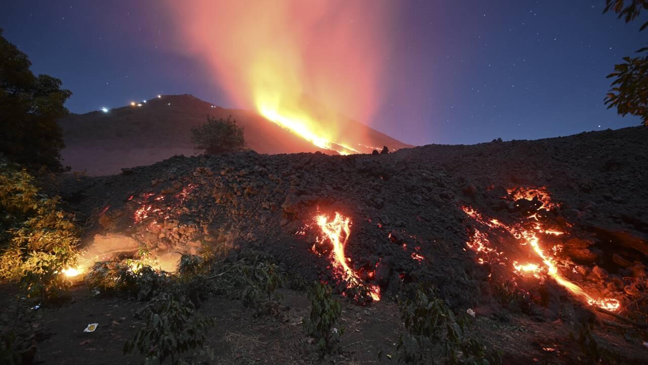 Au Guatemala, d'impressionantes coulées de lave sur les flancs du volcan Pacaya