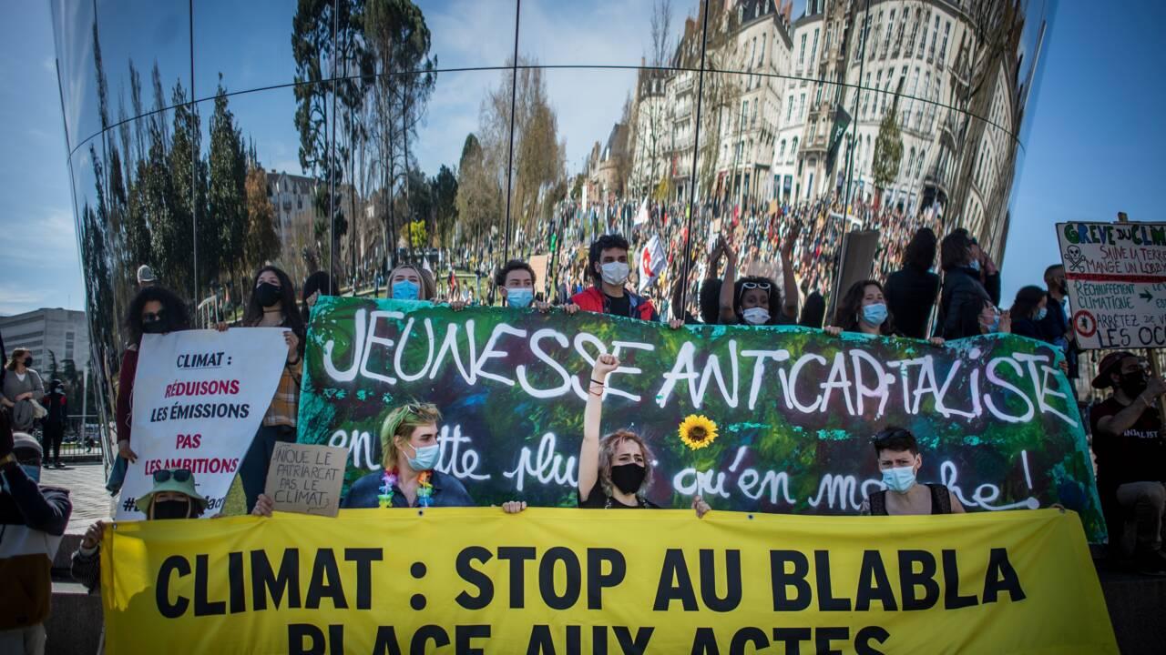 """Des manifestations en France pour """"une vraie loi climat"""""""