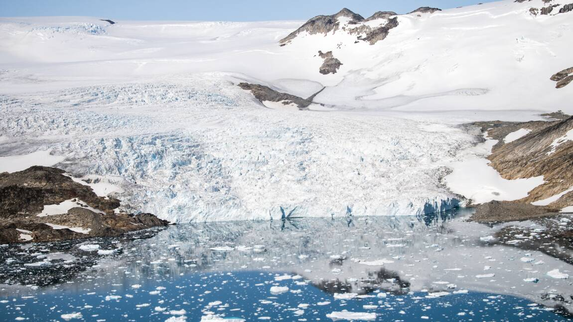 Le Groenland a changé de couleur : en devenant plus sombre il accélère son réchauffement