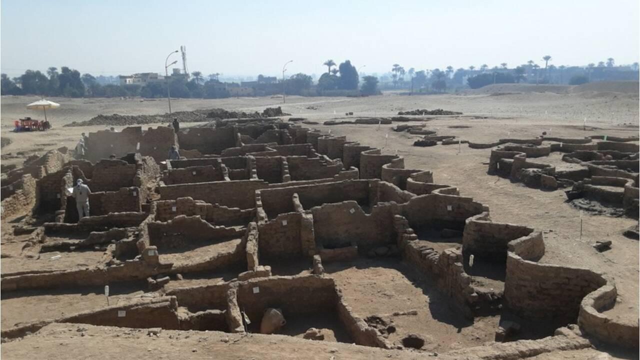 """Egypte : découverte d'une """"Cité d'or perdue"""" vieille de 3 000 ans"""