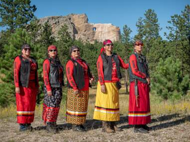 Sœurs de métal, ces bikeuses roulent pour dénoncer le calvaire des femmes amérindiennes