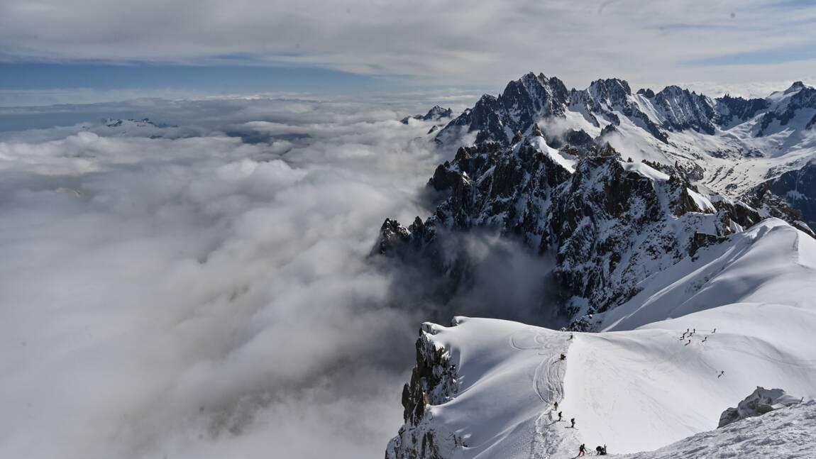 Mont-Blanc: encadrement strict de l'aviation de loisir dans le massif
