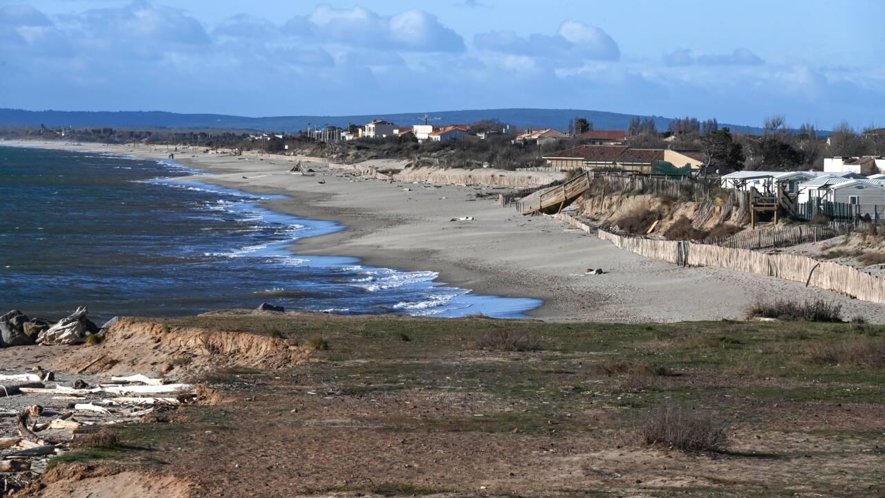 Sur les rives françaises de la Méditerranée, les habitants observent l'inexorable montée des eaux