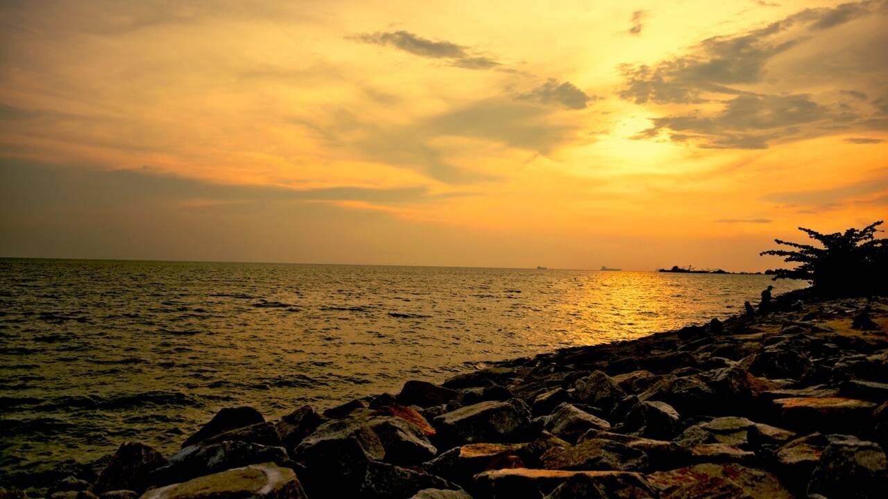 En quoi le détroit de Malacca représente-t-il un point de passage stratégique ?