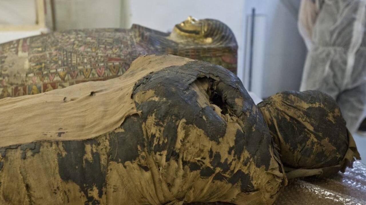 L' unique momie connue d'une femme enceinte identifiée grâce à des radios