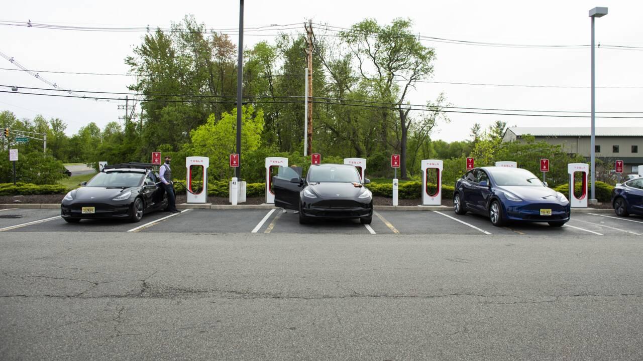 Etats-Unis : le déploiement massif de bornes de recharge pour les voitures électriques devient une priorité politique