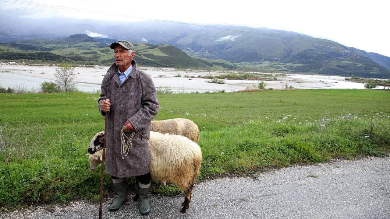 """""""Vjosa mon amour"""": le combat des Albanais pour sauver un fleuve d'Europe indompté"""