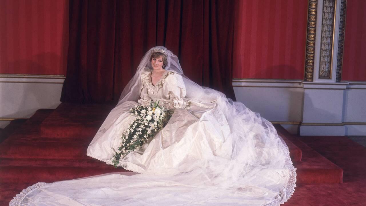 Mode : la robe de mariée de Diana, star d'une exposition sur les tenues de la famille royale d'Angleterre