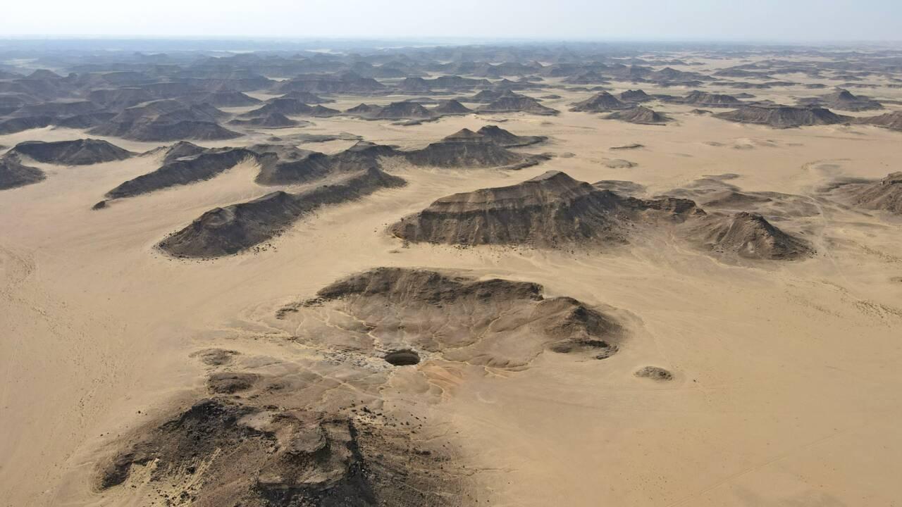 Au Yémen, un mystérieux trou noir de 30 mètres de large fascine les géologues