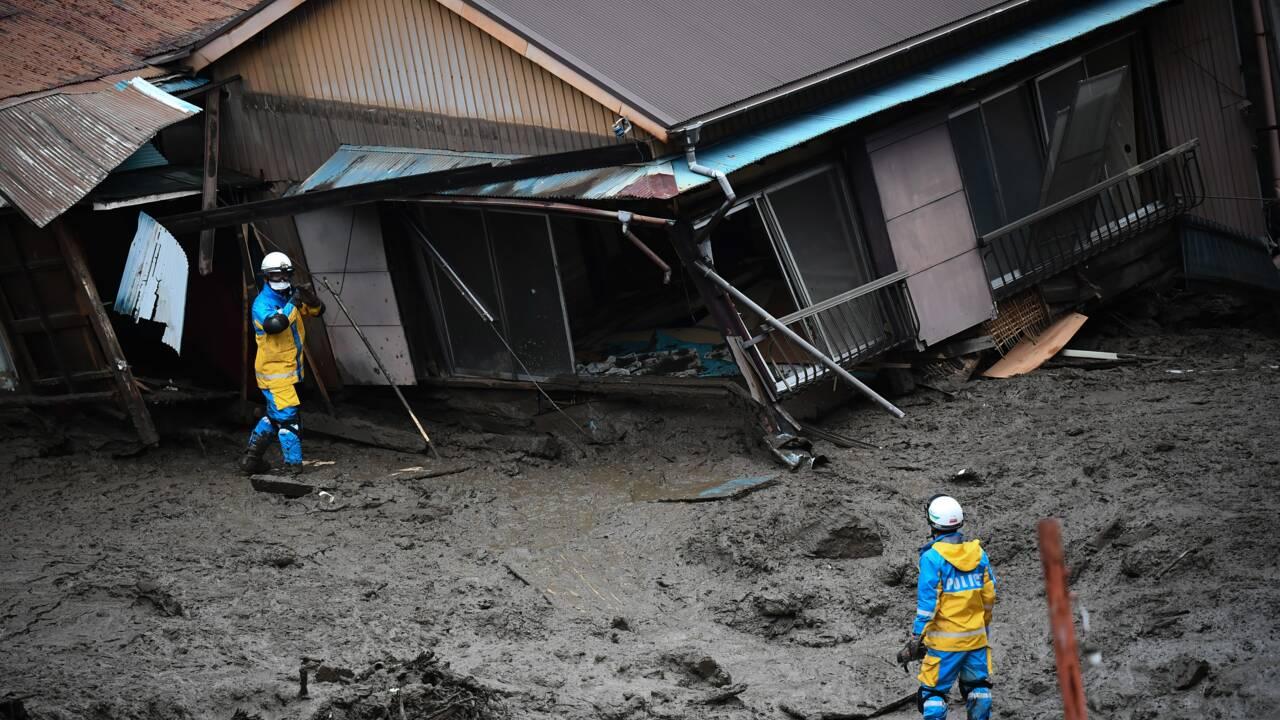 Coulée de boue au Japon: 24 personnes encore introuvables