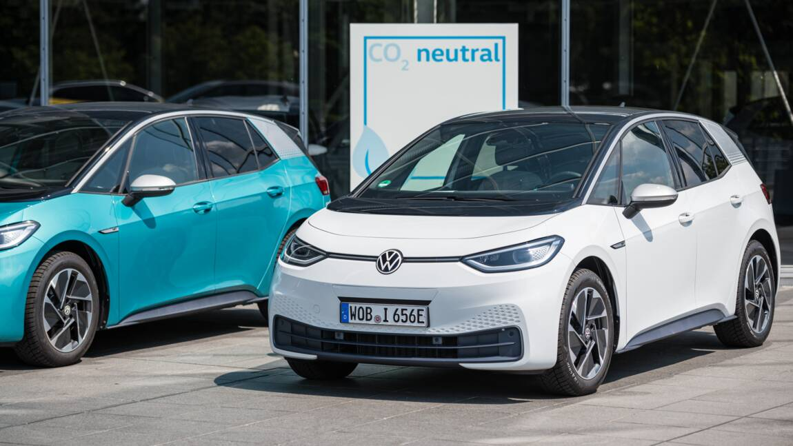 Climat: l'UE prépare l'enterrement des voitures à essence