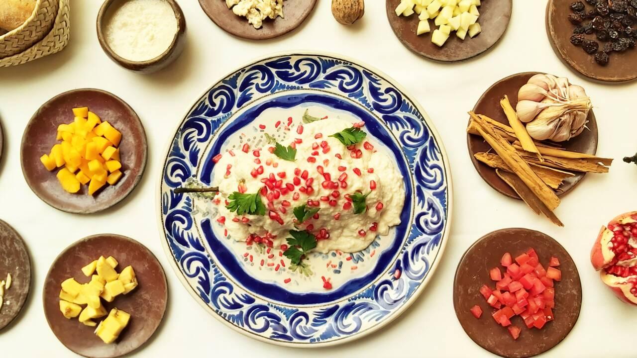 """Plat emblématique de la cuisine mexicaine, le """"chile en nogada"""" se réinvente"""