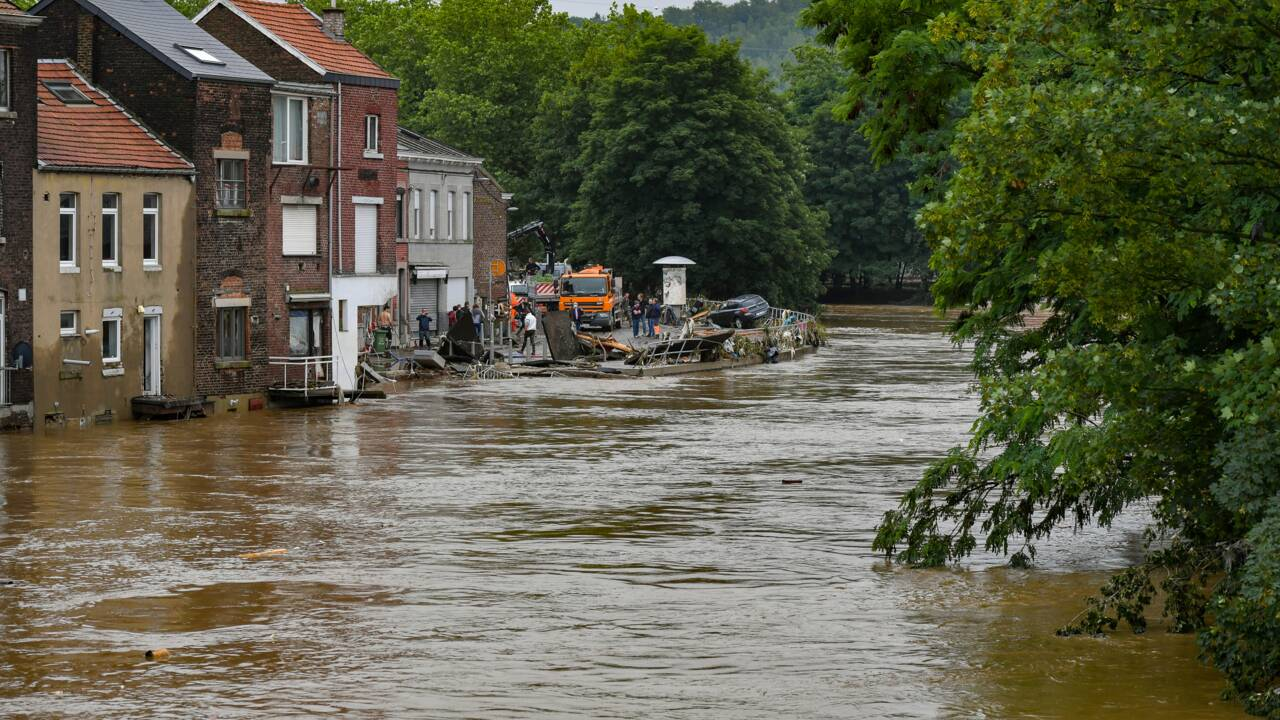 """En Belgique, la détresse face à des inondations aux allures de """"tsunami"""""""