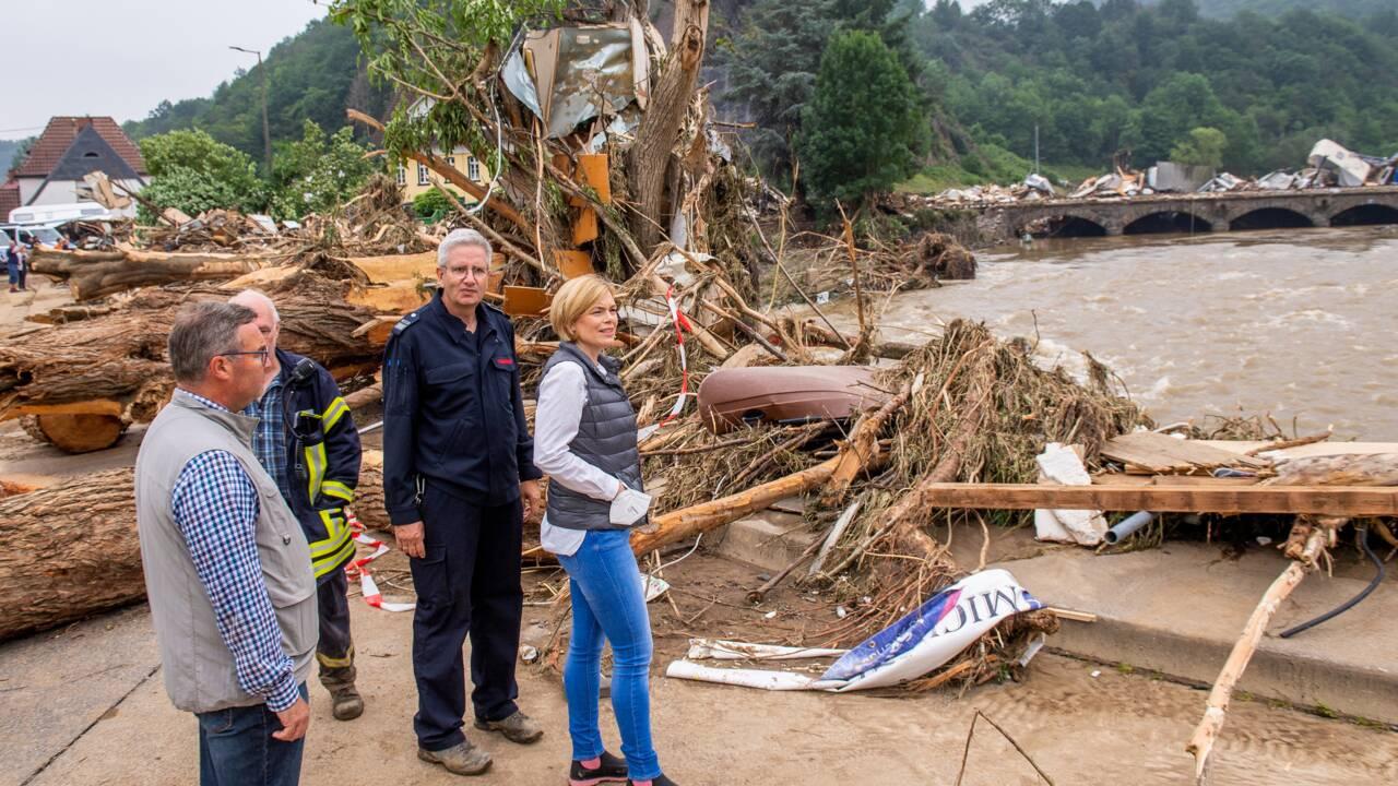 Inondations: l'Europe nettoie les décombres et cherche les disparus