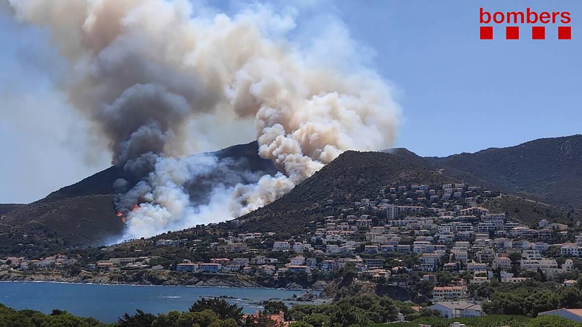 """Espagne : l'incendie en Catalogne """"maîtrisé"""" par les pompiers"""