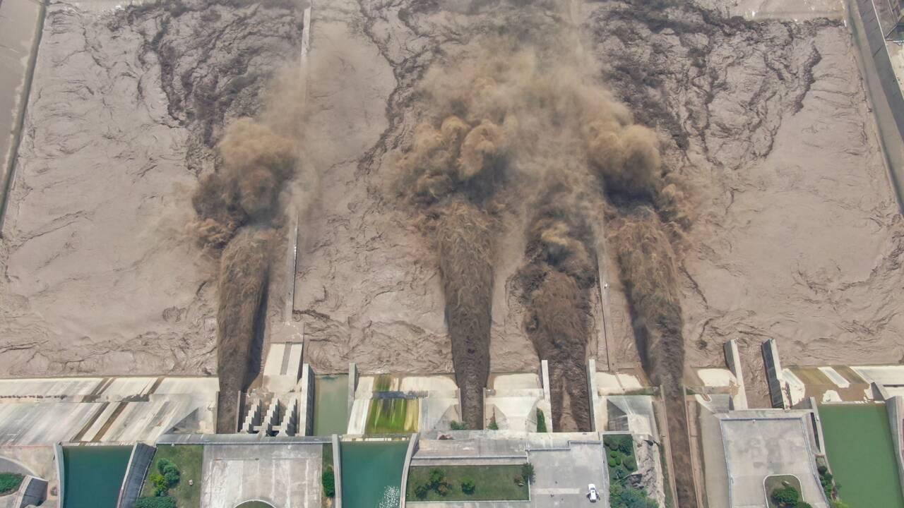 """Intempéries en Chine : un barrage """"peut céder d'un instant à l'autre"""""""