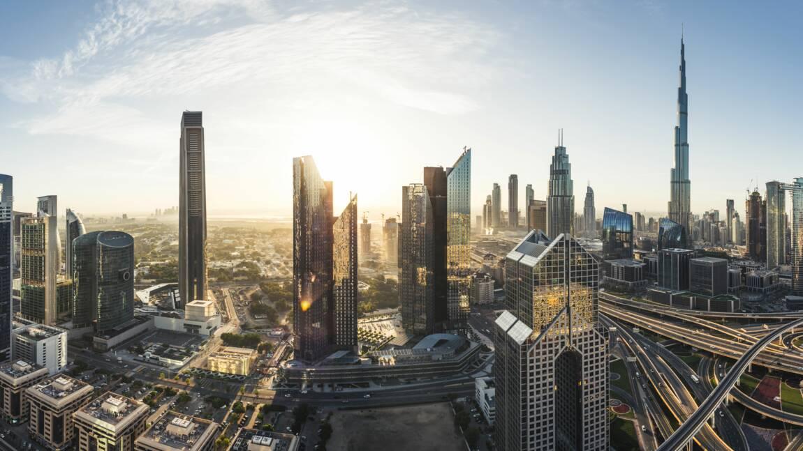 Pour combattre la chaleur, Dubaï fait tomber de la fausse pluie