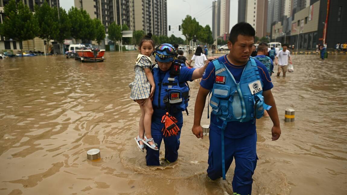 Inondations en Chine: après le chaos, Zhengzhou panse ses plaies