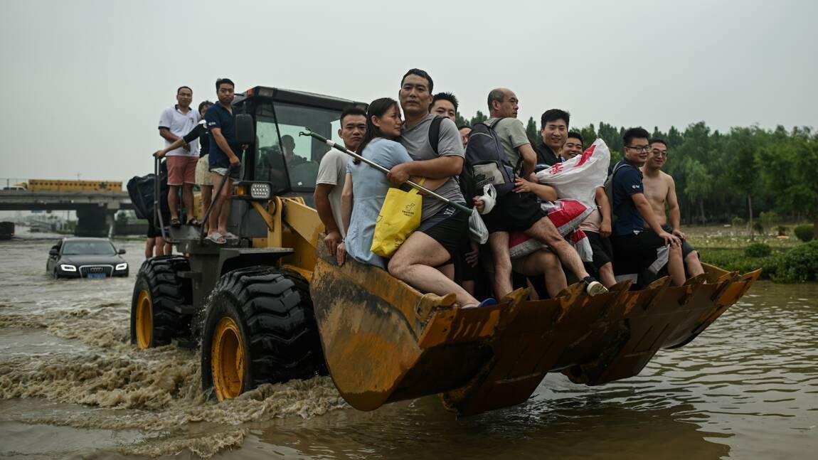 Chine: évacuation d'une localité cernée par les eaux