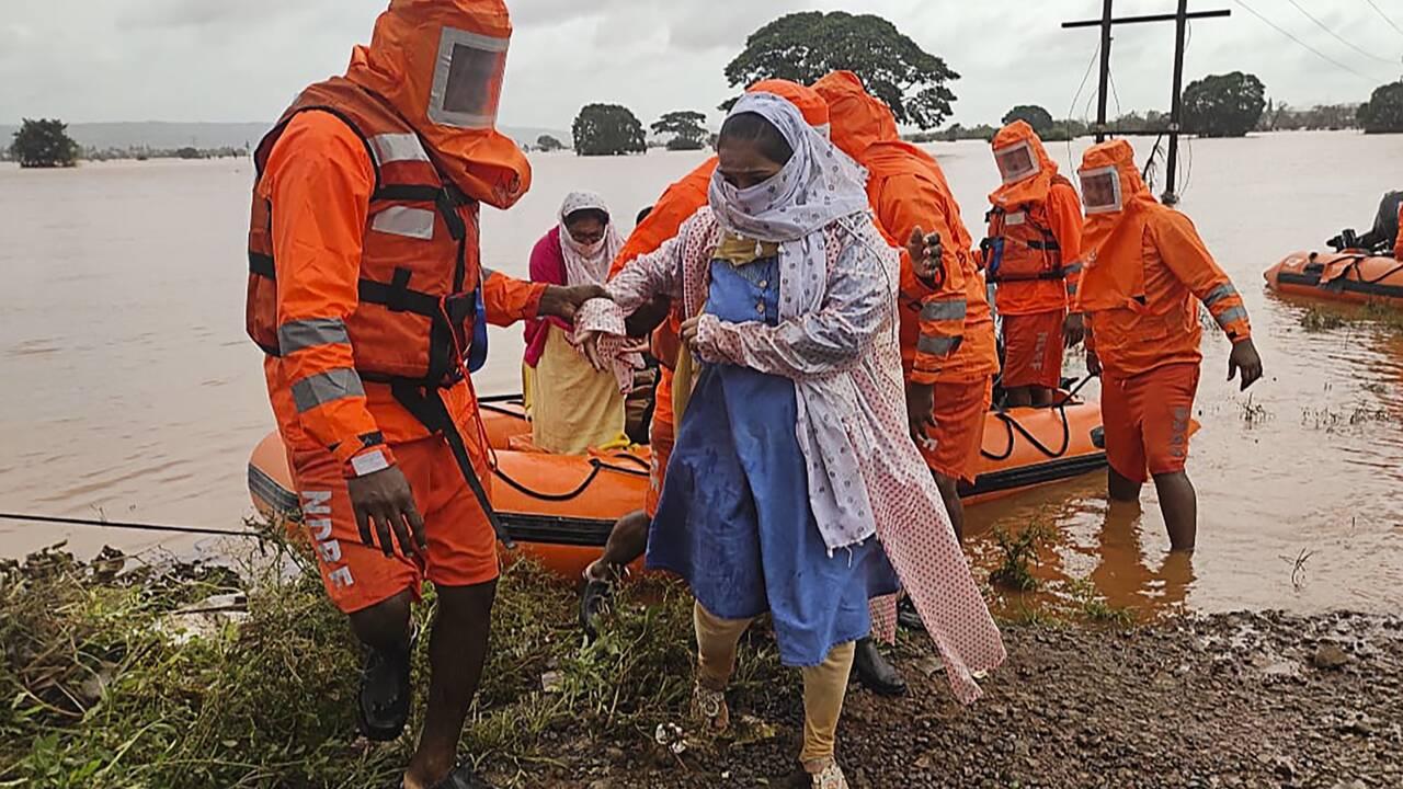 Mousson meurtrière en Inde: le bilan s'alourdit à 127 morts, des dizaines de disparus recherchés