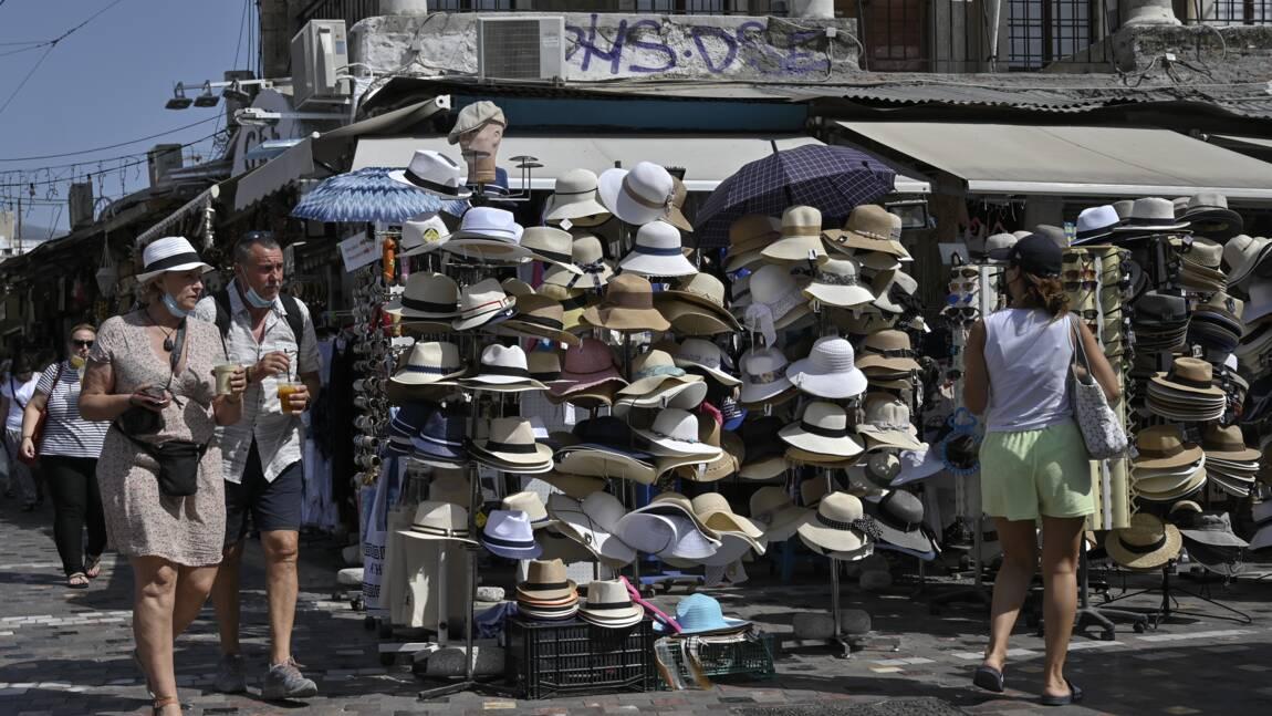 """""""Je vais mourir sous cette chaleur"""" : Athènes confrontée à une nouvelle canicule"""