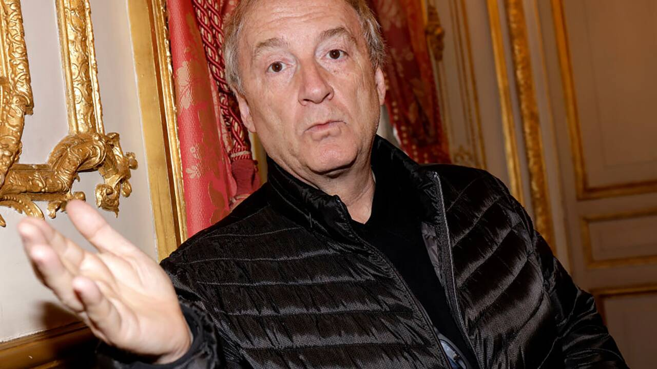 """Hubert Védrine : """"A 20 ans, je suis parti pour Kaboul en voiture !"""""""